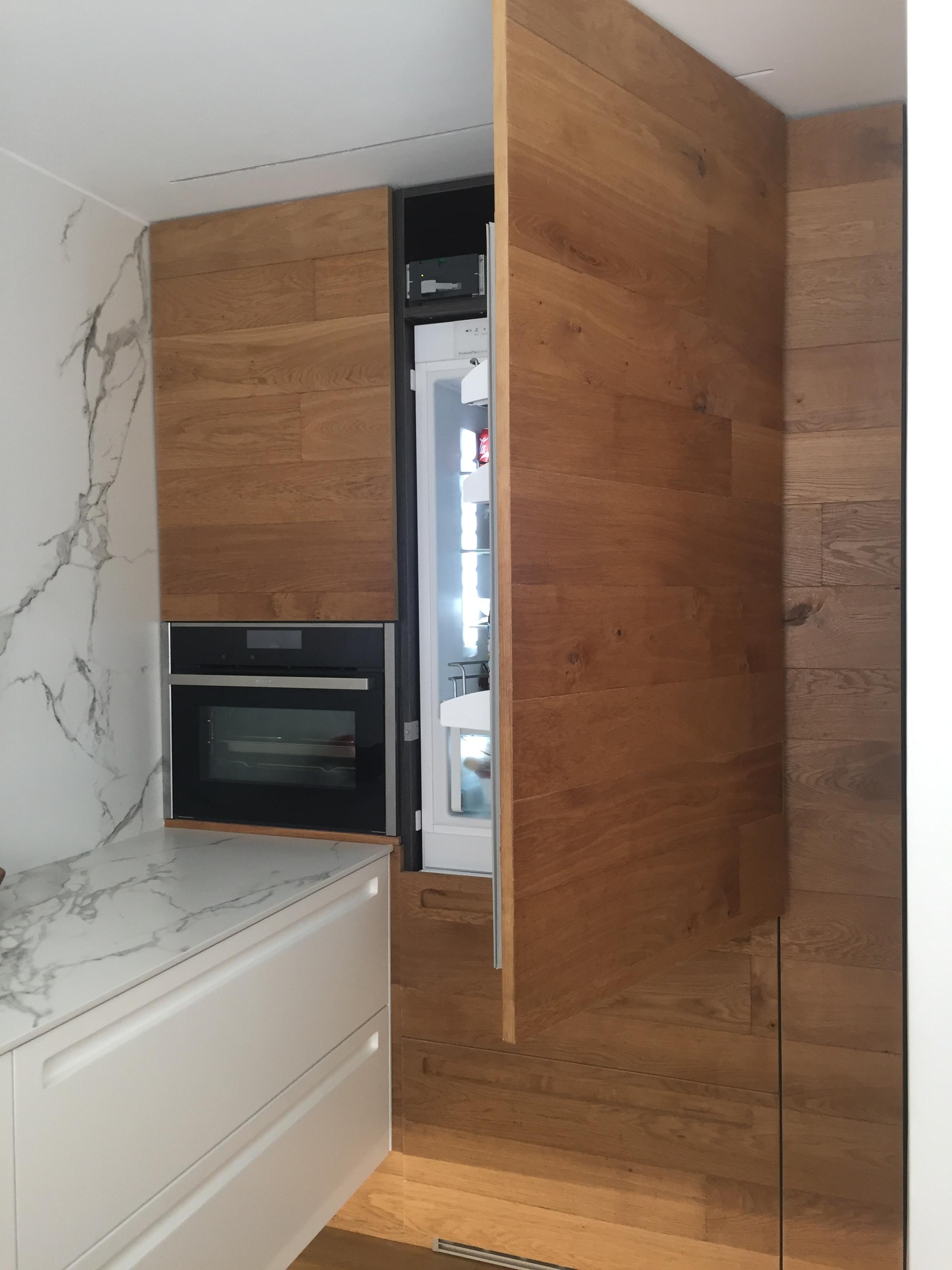 reforma cocina Blanca y madera